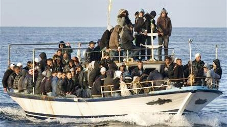 asylum-seekers-arrive-AFM